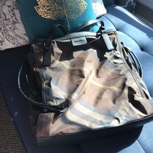 Burberry Bags - Burberry tote